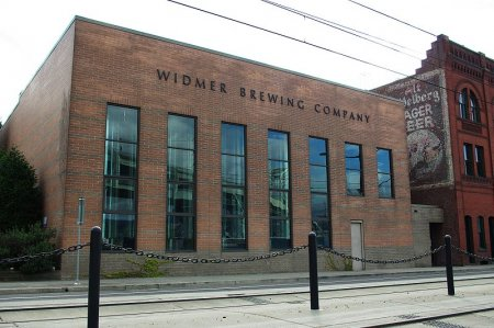 800px-widmer_brewing_company_headquarters_-_portland-_oregon.jpg